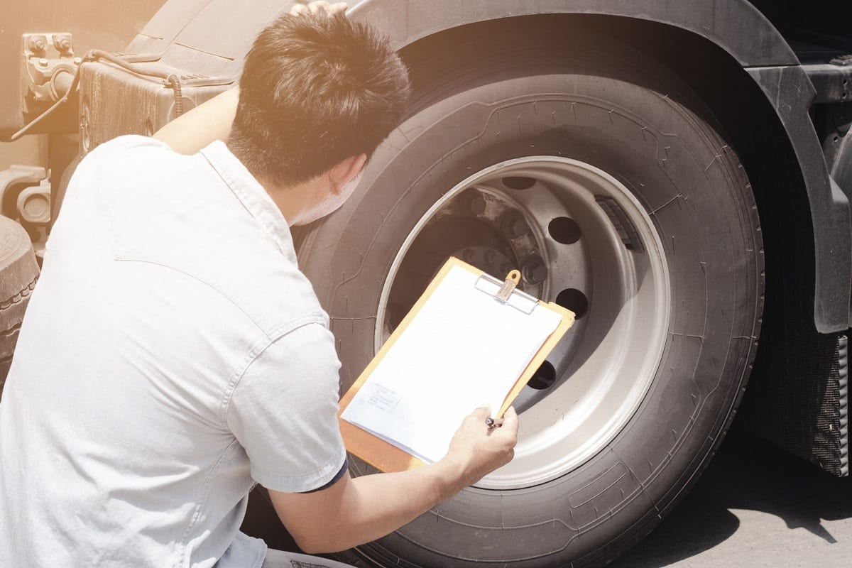 Why Maintaining & Monitoring Truck Tire Pressure Is Important