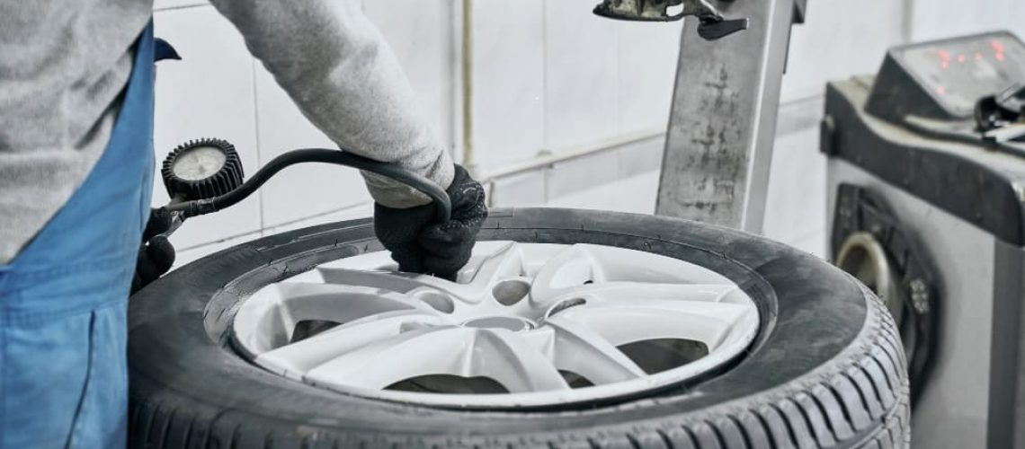 How to Check Tire Pressure in Commercial Trucks
