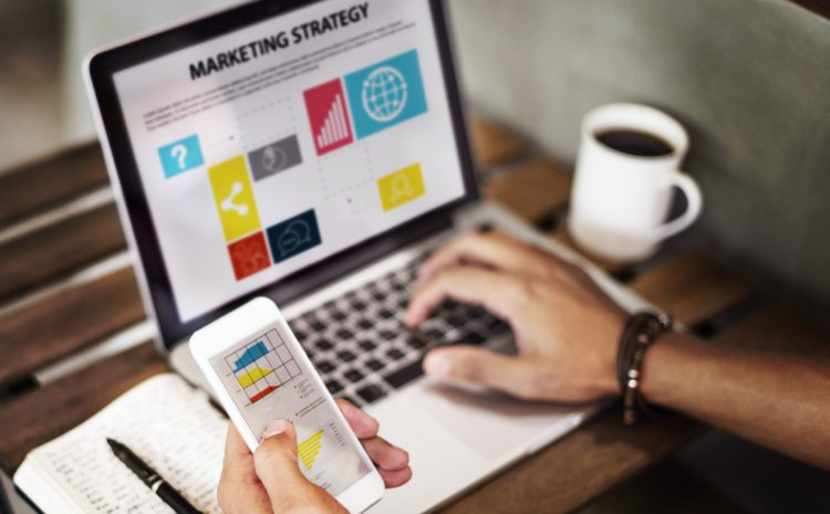 Organic vs. Paid Marketing: What's the Best Strategy? 1
